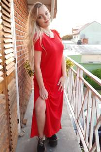 vestido largo con tajo -