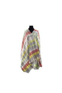 Modelo #10 Mantón gris-amarillo de acrílico frizado desflecado.  Medidas: 75 cm x 200 cm -