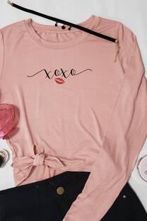 camiseta con detalle abajo -