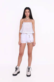 SHORT BLANCO RIGIDO CON ROTURAS Y CADENA -
