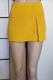 Short con falda abierta -