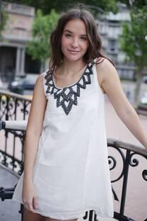 Vestido bordado KIGA -