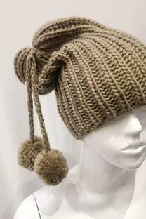 Gorro de lana con pompon -