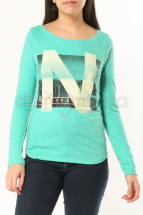 "<a href=""/productosimple/10/remera-new-york"">Remera New York</a> -"