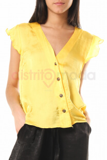 """<a href=""""/productosimple/p015/camisa"""">Camisa</a> -"""