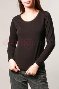 Camiseta Básica con Puntilla  -