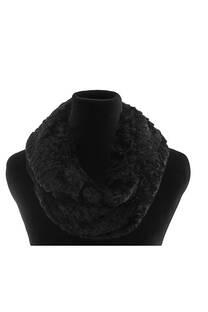 Cuello de lana.  Peso: 140 gramos -