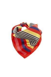Pañuelo cuadrado de seda con diseño a rayas de colores.  Medidas: 50 cm x 50 cm -