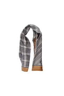 Pañuelo dama de seda cuadrado con estampado.  Medidas: 90 cm x 90 cm -