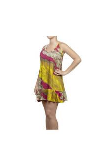 Vestido corto, diseño batik color amarillo-fucsia con tiritas regulables y volados al final.  Talle: Único. -