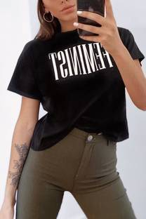 Remera Feminist -