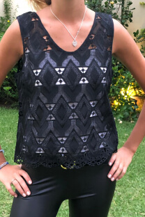 "<a href=""/productosimple/842/musculosa-calada-rombos"">Musculosa calada rombos</a> -"