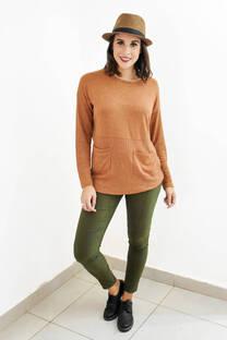 Sweater combnado con dos bolsillos -