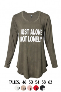 Remera estampa Just alone not lonely -