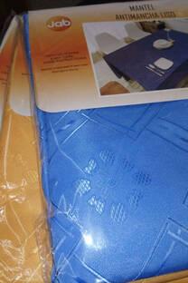 Mantel rectangular antimancha 140x200 cm -