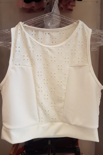 Top broderie con crepe -